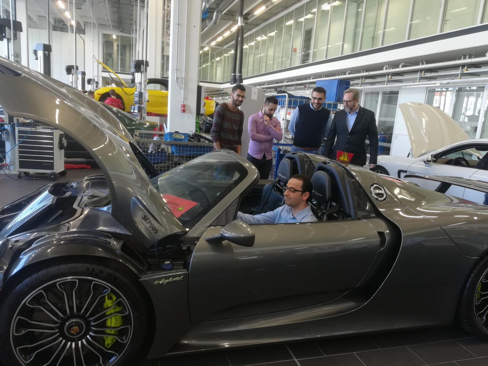 Porsche-Ausbildungszentum1